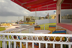 Rm 29 - Poolside OceanFRONT 1 Bedroom Suite. Just Steps to Pool and Ocean. Large, Private Oceanfront Patio. Picture 7