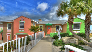 BEACH HOUSE - 2 Bdrm / 2 Bath OceanFRONT - Gloriously Colorful and Fun Picture 1