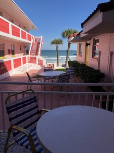 (Rms 40,43,44,or 48) 1 Bedroom OceanFRONT Poolside Suites with Private Patio or Balcony Picture 7
