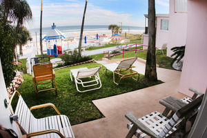 Rm 41 or 45 - 2 Bdrm OceanFRONT Poolside Suites with Private Patio or Balcony Picture 4