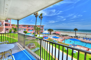Rm 50 - Spacious 3 Bdrm /2 Bath OceanFRONT Poolside Suite with Large, Private Balcony Picture 1