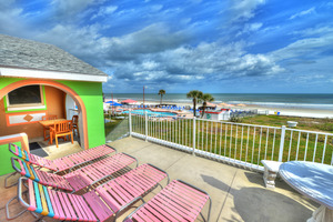 BEACH HOUSE - 2 Bdrm / 2 Bath OceanFRONT - Gloriously Colorful and Fun Picture 2