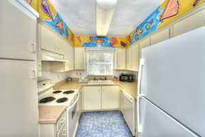 BEACH HOUSE - 2 Bdrm / 2 Bath OceanFRONT - Gloriously Colorful and Fun Picture 11