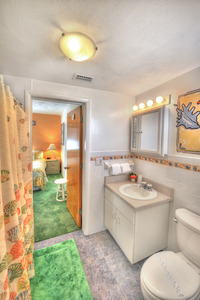 BEACH HOUSE - 2 Bdrm / 2 Bath OceanFRONT - Gloriously Colorful and Fun Picture 8