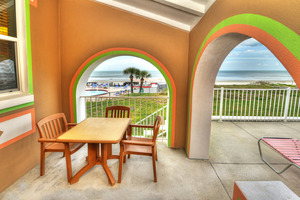 BEACH HOUSE - 2 Bdrm / 2 Bath OceanFRONT - Gloriously Colorful and Fun Picture 9