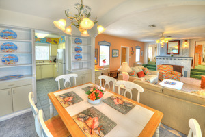 BEACH HOUSE - 2 Bdrm / 2 Bath OceanFRONT - Gloriously Colorful and Fun Picture 10