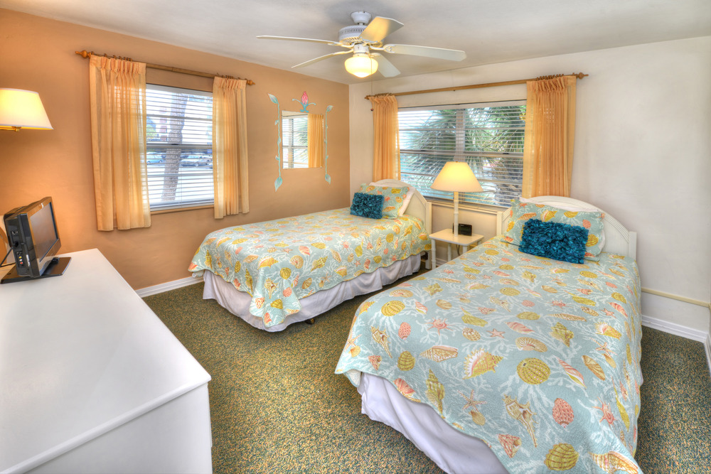 Tropical manor for 2 bedroom pet friendly apartments