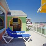 Gloriously Colorful and Cheerful Oceanfront Beach House Picture 8